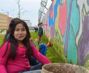 Gentileza de las Juventudes Comunistas. En el mural participaron todos los vecinos, adultos y niños.